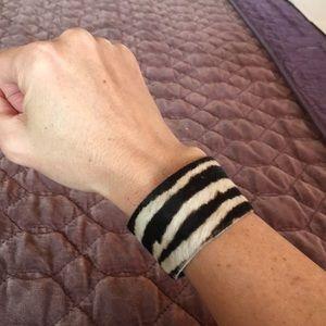 Jewelry - Fur cuff